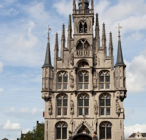 Gouda's famous Gothic city hall. Photo via Flickr:Qiou87