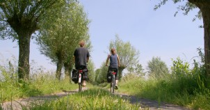 Cycling along Holland's great quiet bikepaths!