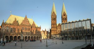 Rathaus and Dom in Bremen - photo by Klaus Grunberg