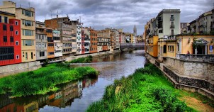 A bicycle holiday in Girona is full of color - photo via Flickr:xlibber