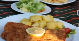 Schnitzel! Photo via Flickr:pizel0908