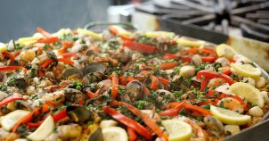 Seafood paella - photo via Flickr:Mccun934