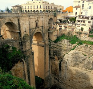 Ronda - photo via Flickr:papalars